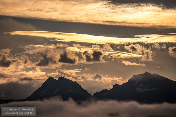 Abendlicht über dem Krascheninnikov Vulkan
