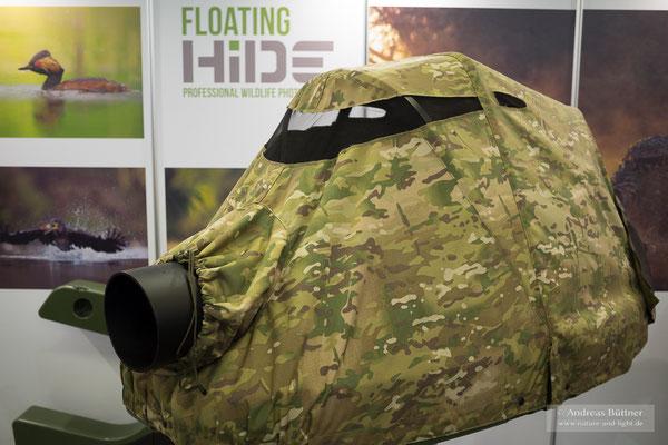 Das Schwimmversteck von Floating Hide ermöglicht spannende Perspektiven auf dem Wasser
