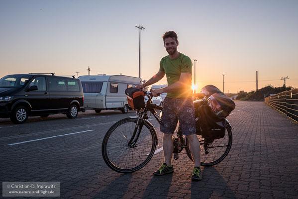 Mit einem gut bepackten Fahrrad und voller Motivation ging es los