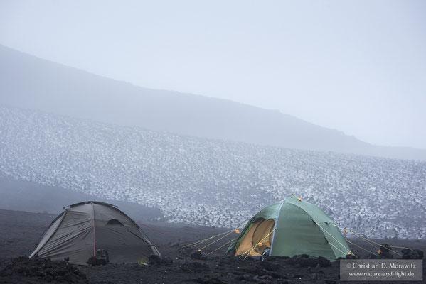 Eine Woche lang zelteten wir am Basislager des Tolbatschik
