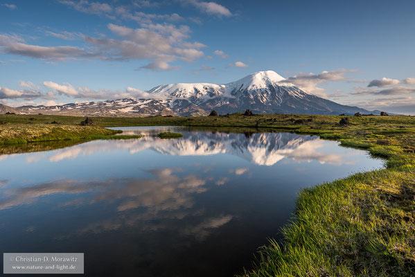 Der Tolbatschik Vulkan im Abendlicht