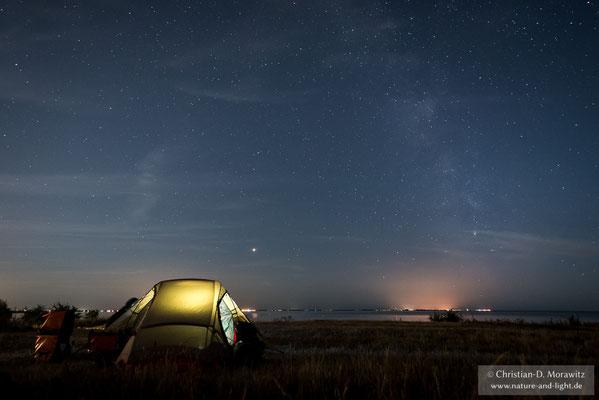 Zelten bei Klagshamn unter dem Sternenhimmel der Ostsee