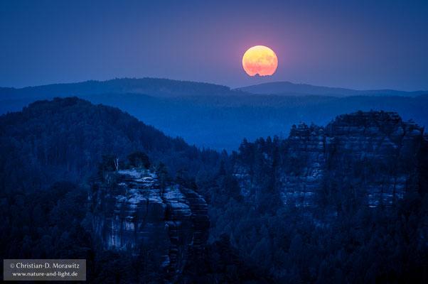 Mondaufgang in der Sächsischen Schweiz