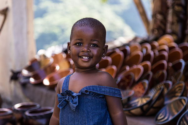 Südafrika: unterwegs eine junge Händlerin