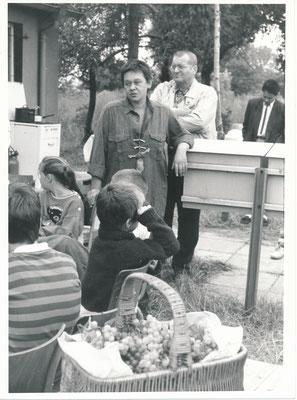 """Monika Maria Nowak, Treffen vor """"meinem Konsum"""", Sachsendorf-Werder, 1991"""