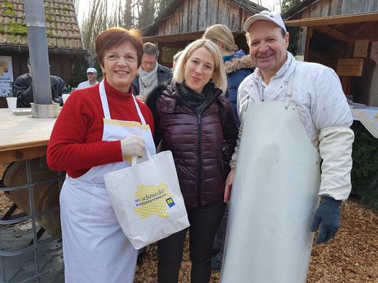 ORF NÖ Moderatorin Astid Nentwich besucht unseren Fischmarkt (15. Dezember 2019)