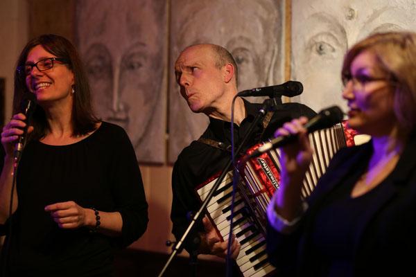 VoxArt Vocal Trio (Bild: Michael C. Wolf)