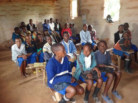 Mission Kongo e.V. - Eine Grundschule in Irundu - Hochplateau von Minembwe/Itombwe