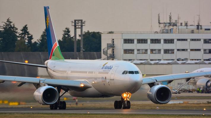 "Startbahn West / ""Affenfelsen"" - V5-ANO auf dem Weg nach Windhoek (Airbus A330-243 // Air Namibia)"