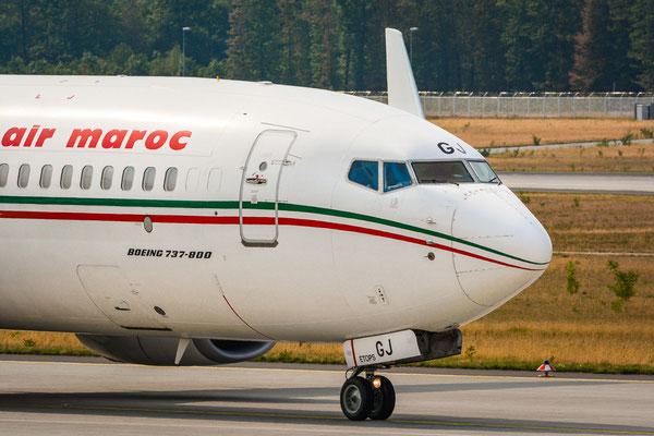 """Landebahn Nordwest /  """"Düne"""" - ...und noch ein Close-up der 737 der Royal Air Maroc beim taxen"""