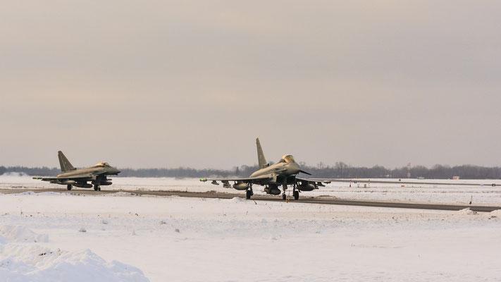 Mission accomplished!!! Zwei Eurofighter auf dem Weg zum Start Richtung Heimat...