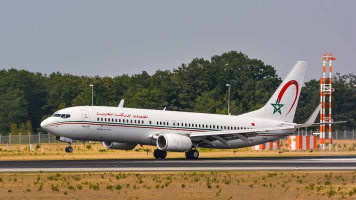 "Landebahn Nordwest /  ""Düne"" - CN-RGJ gelandet (Boeing 737-8B6 // Royal Air Maroc)"