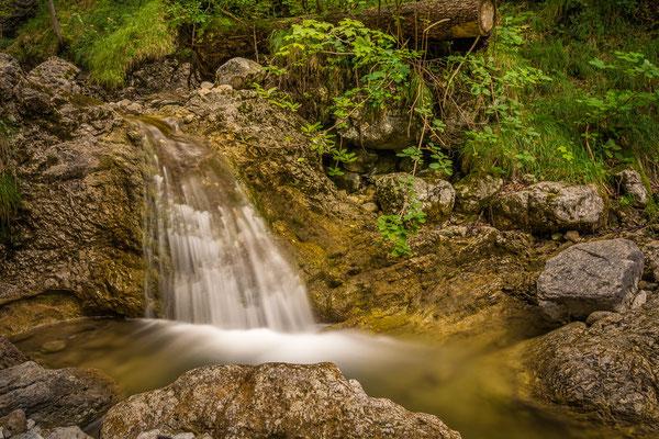 """Wasserfall am """"Männlein-Weg"""" bei Bayrischzell"""