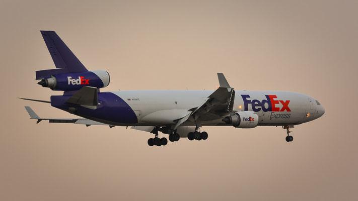 """Südbahn / """"Affenfelsen"""" - N588FE ... Highlight für mich, eine MD-11 bei der Landung... (McDonnell Douglas MD-11F // FedEx)"""