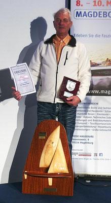Lutz Starke mit den Pokalen...