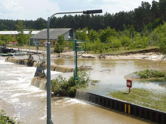 Der Elbe-Havel-Kanal wird überflutet