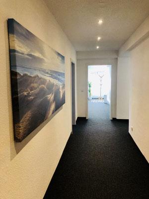 Freundlicher, heller Eingangsbereich - Ergotherapie Jensen (Praxis Iserlohn)