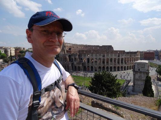 Ich habe in Rom Unmengen an Selfie-Produktionen beobachtet. Ich kann auch Selfie!