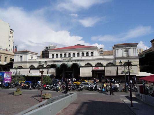 Die Markthallen mit dem farbenfrohen Fisch- und Fleischmarkt.