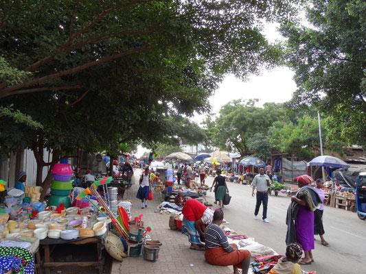 Strassenmarkt in Moshi.