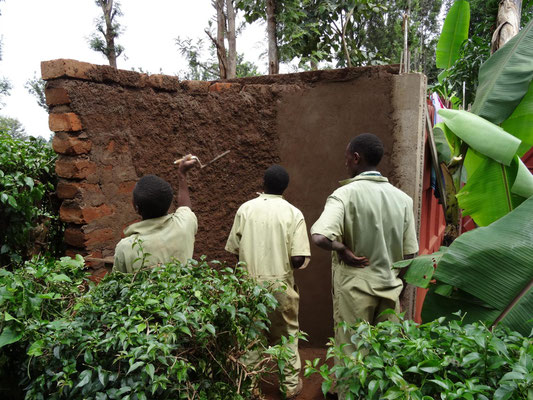 Verputzen der erstellten Wand.