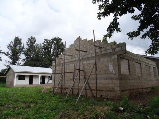 Erweiterungsbauten mit zusätzlichen Unterrichtsräumen und dem neuen Computerraum des VTC.