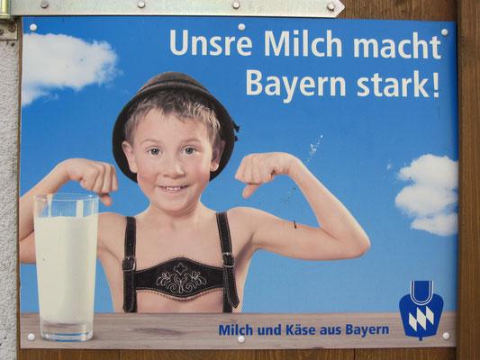 Ein Schild an einem Stalltor in Eschenbach (2012).