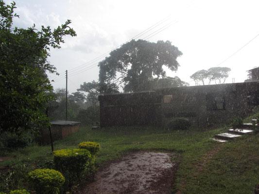 Heftiger Regen in Kishumundu.