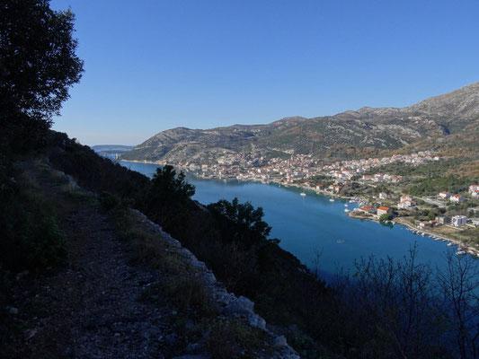 Eine Wanderung vom Srd über Gruz mit Ziel Komolac, mit dem letzten Kilometern auf einem alten Aquädukt.