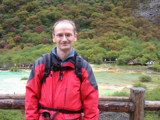 Am Fünf-Farben-See auf 3553 m im Huanglong Tal (Tibet) 2005