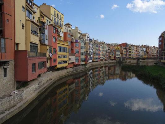 Flussufer in Girona.