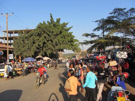 Auf einem Markt in Moshi.