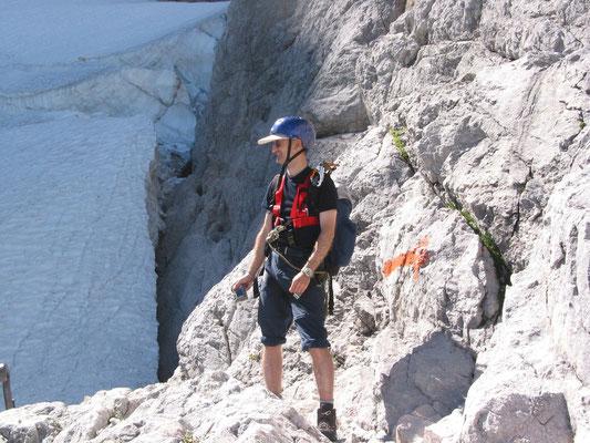 Am Höllentalferner auf dem Klettersteig zur Zugspitze (Foto: Maria Leidenberger)