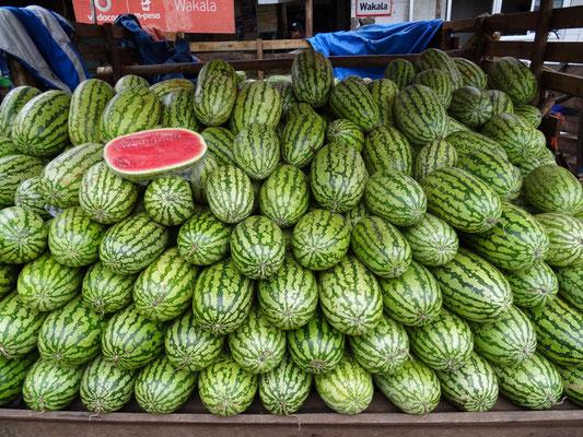 Melonen werden wirkungsvoll präsentiert.