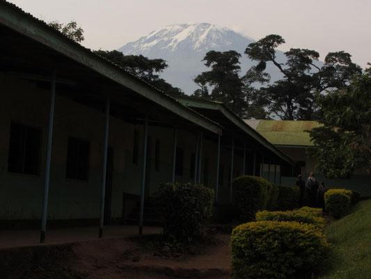 Die Nsoo Sec. School liegt am Fuss des Kilimandscharo.