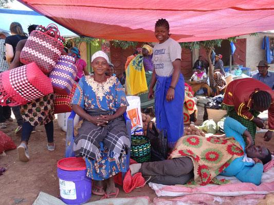 Marktfrauen in Himo.