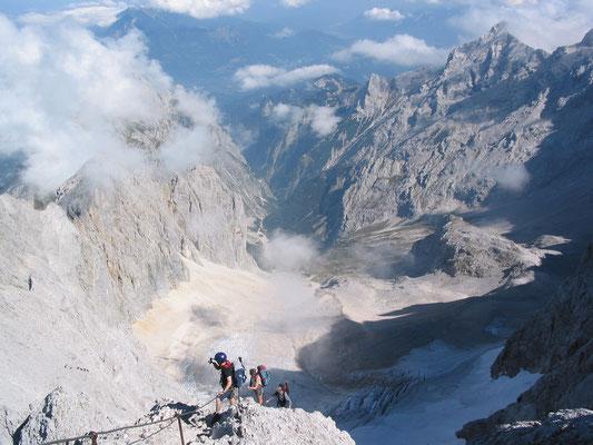 Auf dem Zugspitz-Klettersteig I (Foto: Maria Leidenberger)