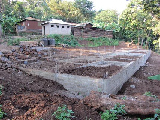 Die Baustelle des Jungenhauses Anfang Juli.