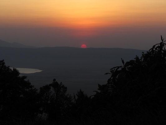Sonnenuntergang über dem Ngorongorokrater.