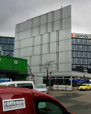 Kamerasystem auf Nachbargebäude (oben rechts)