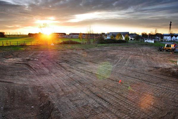 Sonnenaufgang über dem Baufeld (Kamera 3)