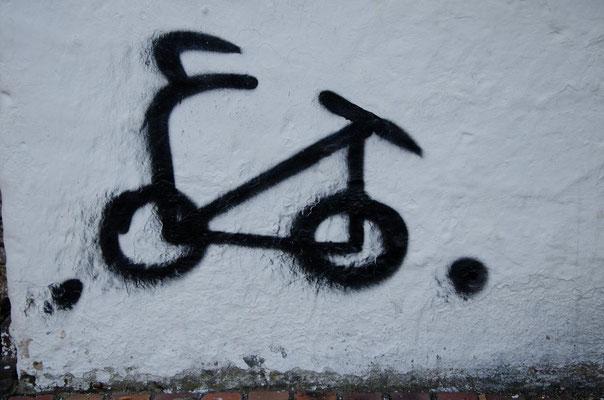 Die ersten Grafittis. Bogota ist berühmt dafür.