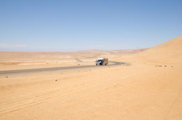 Immer noch riesige Weiten in der Atacama Wüste