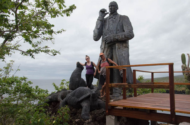 Charles Darwin wacht über die Darwin Bay