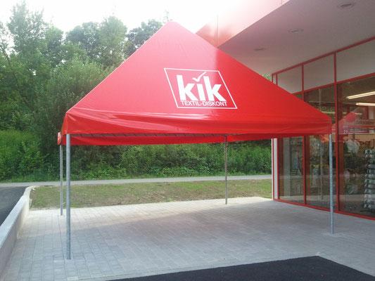 Pavillon zur Warenpräsentation rot I