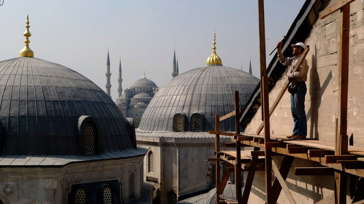 Men at work, Agia Sophia roof, Blue Moskey,  Istambul , Turkey, T,  P1070136.JPG.jpg