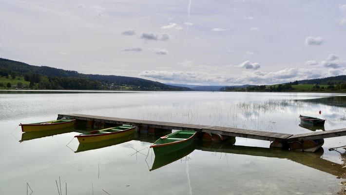 Barques, Port Titi, Lac de Saint-Point 25160 Les Grangettes, Doubs, F,