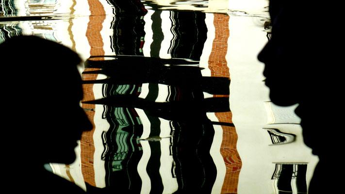 Reflets couple, Canal Saint Martin, Paris, F,  P1040494