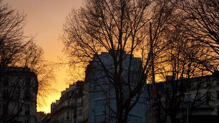Sunset, rue de la Grange aux Belles, Canal Saint Martin, Paris, F, P1020006
