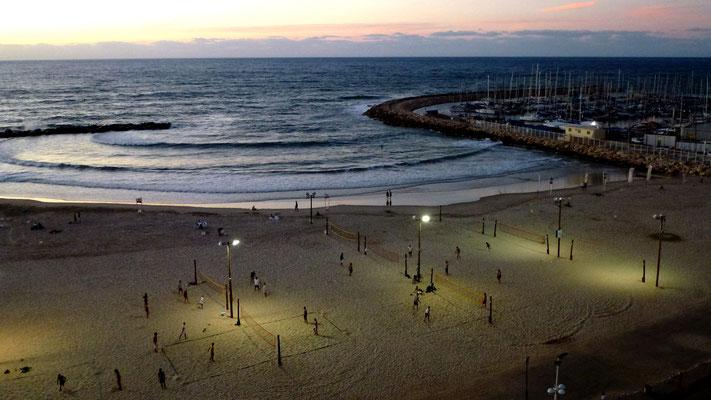 Volley ball, Beach at night, Tel Aviv, Israel, Il,  P1000797.JPG